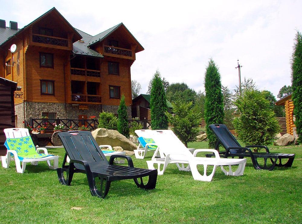 Готель зі зрубу «Форест хаус»