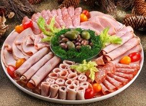 М'ясна нарізка як красиво оформити м'ясну тарілку (фото-ідеї)