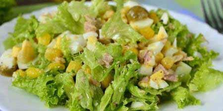 Салат з тунцем і пекінською капустою