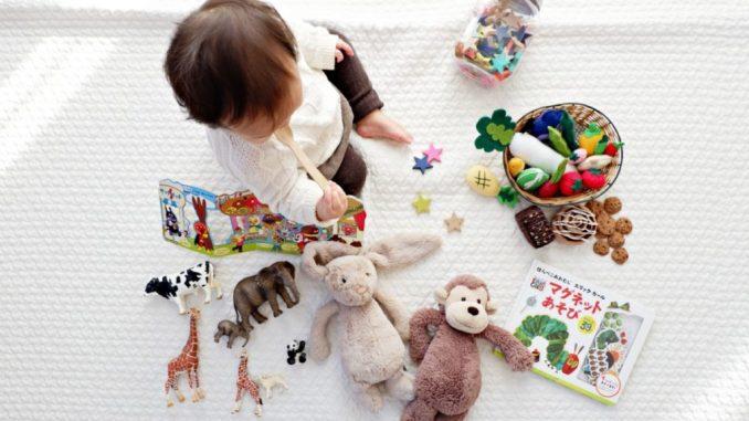 Широкий і різноманітний світ дитячих іграшок