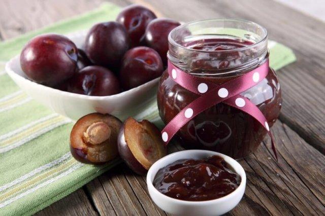 Варення зі слив: рецепти приготування венгерок з шоколадом, горіхами, какао