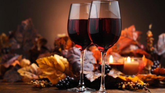 Як приготувати домашнє вино з винограду
