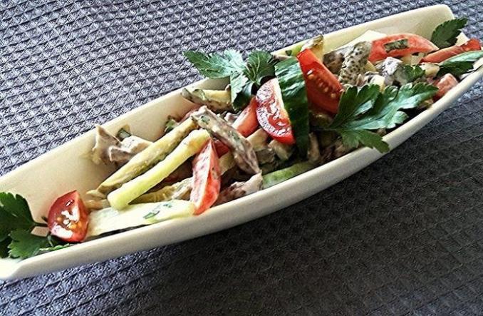 Салат м'ясний пікантний