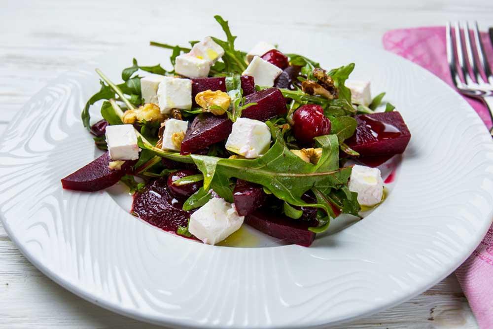 Салат из свеклы и вишни