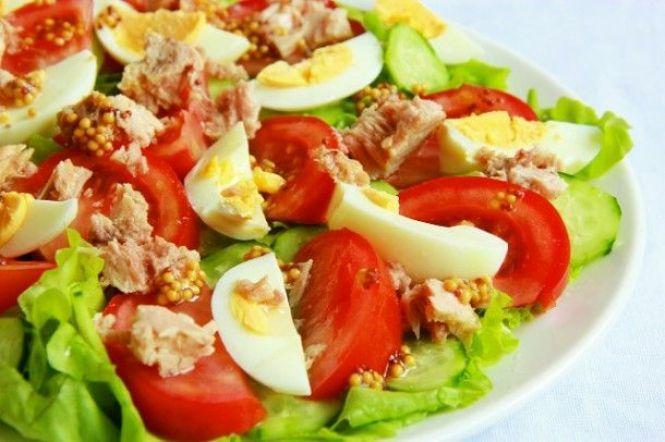 Овочевий салат з тунцем