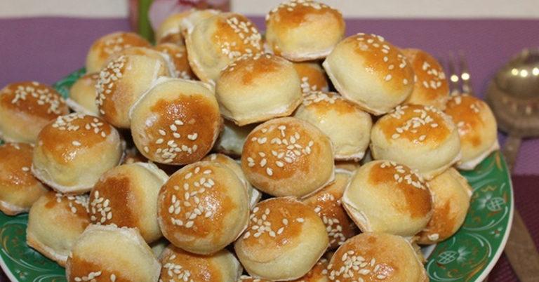 Закусочні пиріжки-крихітки, роблю 100 штук за 20 хвилин. Заморожую для несподіваних гостей та швидко випікаю