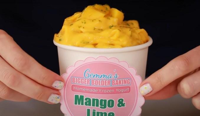 Морозиво з йогурту з манго і лаймом