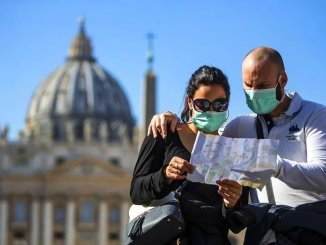 Відпочинок за кордоном: хто і коли зможе потрапити на європейські курорти