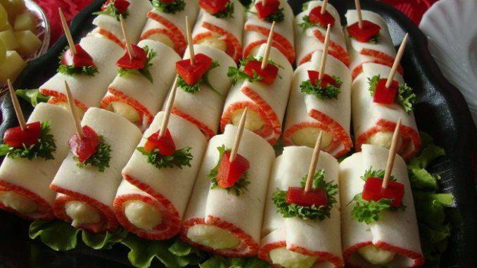 Прості і незвичайні закуски, які прикрасять святковий стіл