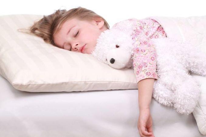 Секрети комфортного дитячого сну: як вибрати подушку
