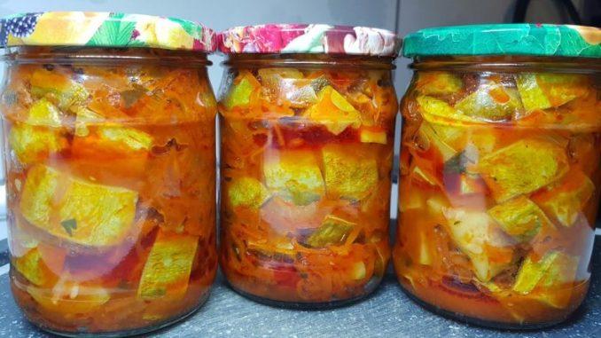 Кабачки в ароматній зажарці з цибулі та моркви, на все потрібно 20 хв. Салат з кабачків на зиму!