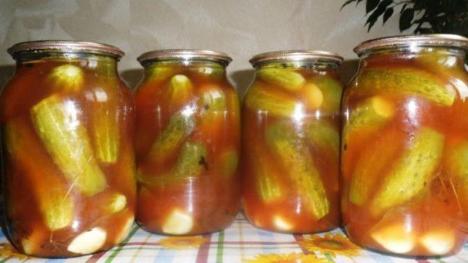 """Мариновані огірки з кетчупом """"Чилі"""" — виходять хрумкими, в міру гострими, з кисло-солодким присмаком!"""