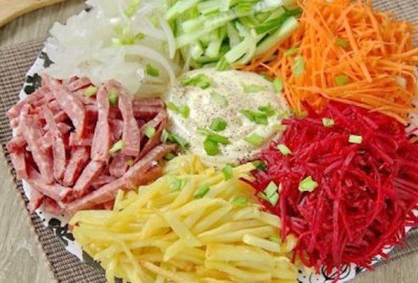 «Вогні Парижа»: бюджетний салат, який точно вразить гостей