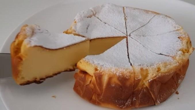 Повітряний і дуже ніжний: пиріг без борошна і масла. Перевірений рецепт!