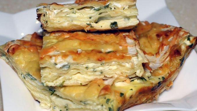 Перекласти шарами і в духовку — смачний пиріг з лаваша за 20 хвилин!