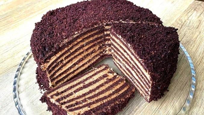 Без духовки! Торт на сковороді — ідеальні коржі з кремом зі смаком морозива