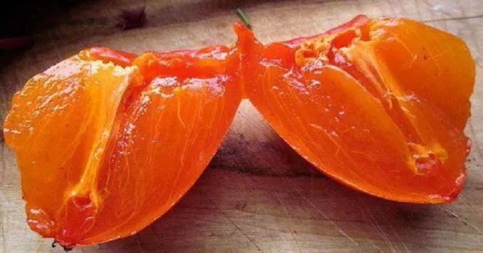 Більше вітамінів, ніж у яблуках! 7 корисних властивостей хурми