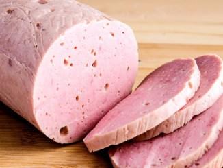 Домашня ВАРЕНА КОВБАСА: натуральна, соковита і ніжна. Рецепт вареної ковбаси в домашніх умовах дуже простий!