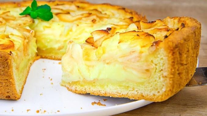 Шарлотка відпочиває! «Цвєтаєвський» яблучний пиріг зі сметанною заливкою: цей пиріг просто тане в роті (перевірений рецепт)