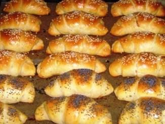 Простий рецепт смачних домашніх рогаликів на кефірі