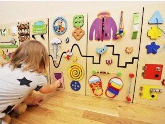 Что такое бизиборды и как они помогают в развитии детей?