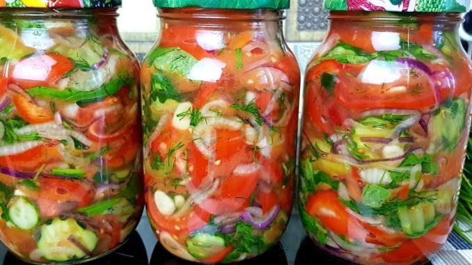 Взимку шкодувала, що мало приготувала! Неймовірно смачний та ароматний салат на зиму — перевірений рецепт