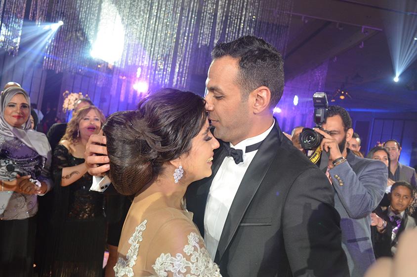 أيتن عامر وزوجها3