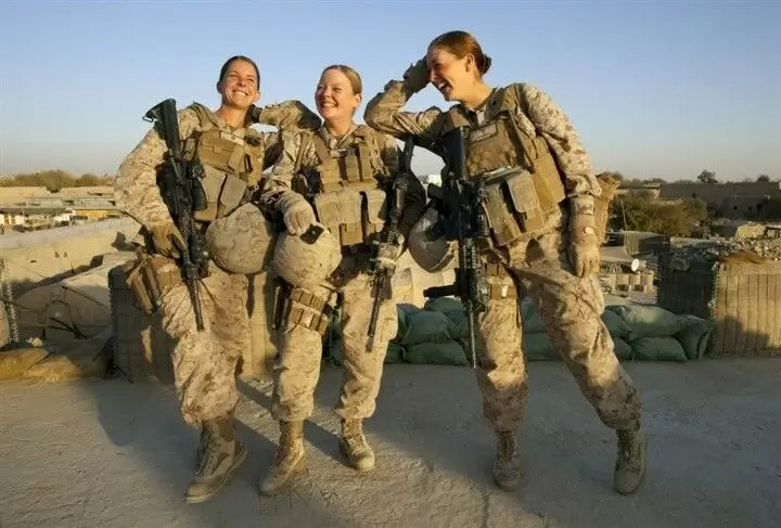 مجندات الجيش الأمريكي