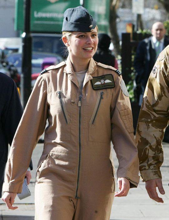 مجندات الجيش الإنجليزي