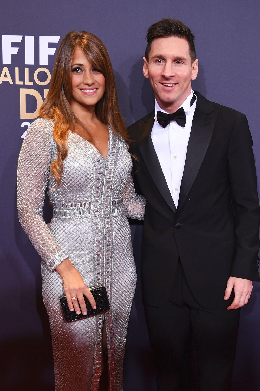 ميسي وزوجته