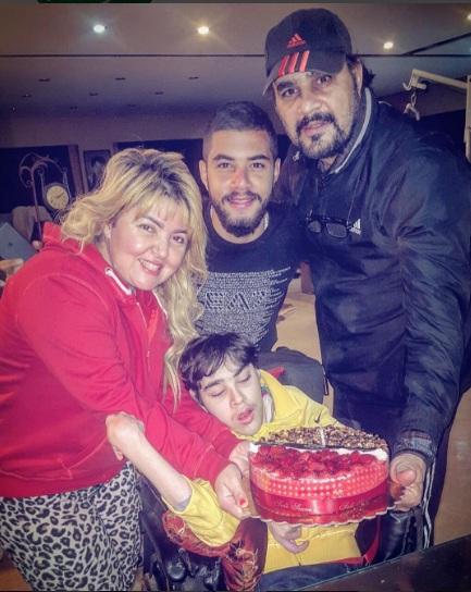 مها أحمد وابنها المعاق