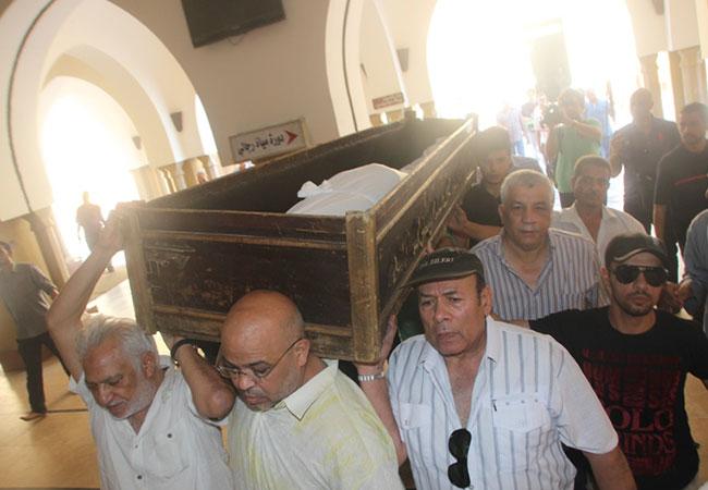 نجوم الفن يودعون الراحل محمد كامل لمثواة الاخير - بارزة