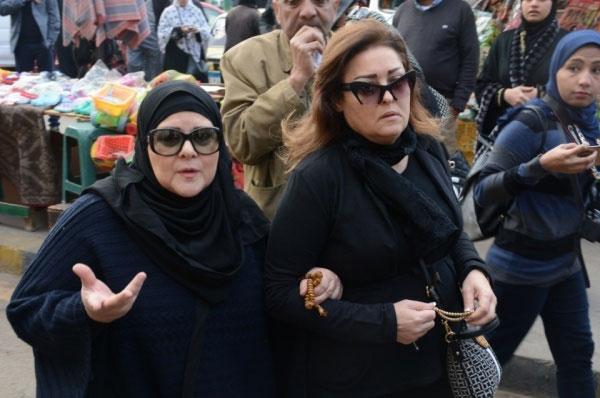 جنازة زبيدة ثروت - نهال عنبر و دلال عبدالعزيز