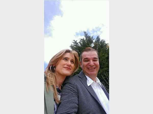 طوني خليفة وزوجته