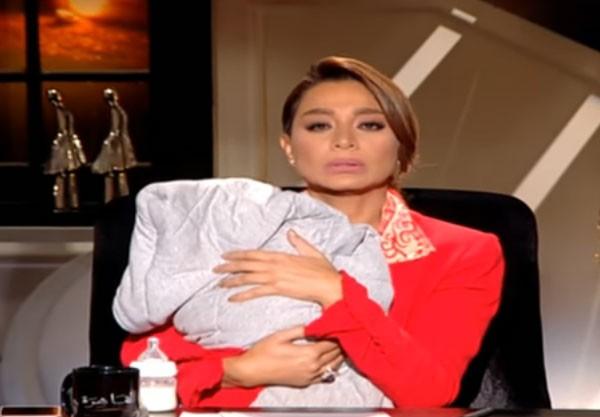 بالفيديو صدمة للجمهور بسمة وهبة تشتري طفل من على الآنترنت 1 7/11/2017 - 3:07 ص