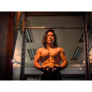胸トレ完了。大胸筋上部繊維中央部メインからの下部中央→中部中央。インクラインダンベルベンチプレス13kgが今日の最高重量でしたピンポイントで乗せたら自分のレベルではこんなもんです続くセットではフリーウエイトにチューブも組み合わせて実験中です。良い感じでパンプしました男女共に鎖骨下から始まるカッコいい胸を作りましょう女性もトレーニングでバストアップです#小松パーソナルトレーニングジム #プライベートジム #パーソナルトレーニング #パーソナルトレーナー #パーソナルトレーニングジム #ダイエット #シェイプアップ #パーソナルジム #くびれ #産後ダイエット #産後太り #フィジーク #マッチョ #ボディメイク #フィットネス #筋肉 #肉体改造 #筋トレ #腹筋 #痩せる #ダイエット仲間募集 #モデル体型 #筋トレ女子 #下半身痩せ #ヒップアップ #バストアップ #引き締め #美脚 #personaltrainer #personaltraining