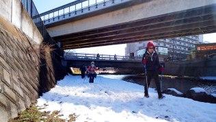大雪の中央道下
