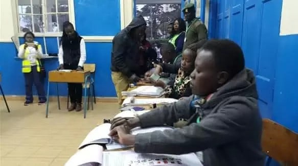 Kenya's President Takes Early Lead