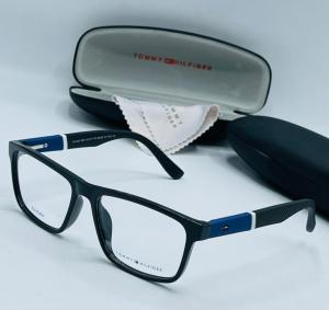 7 Latest Eyeglasses To Revamp Your Look