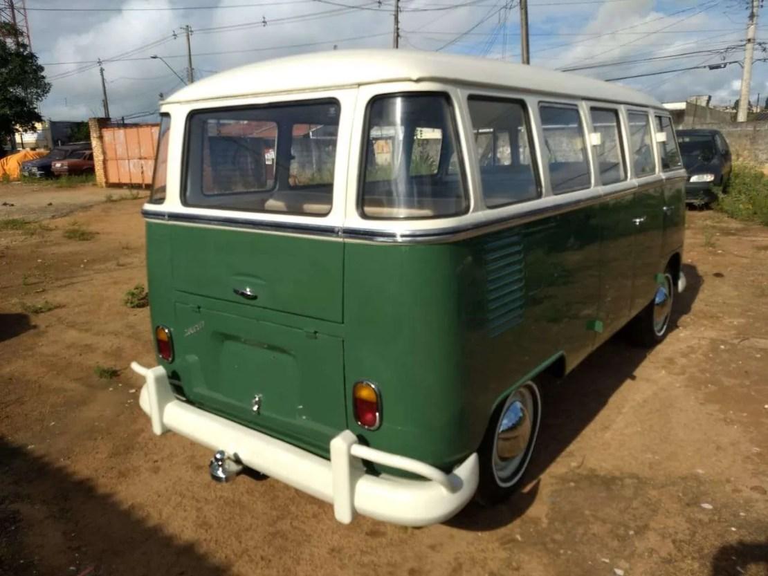 1969 Volkswagen Kombi T1 Safari Bus
