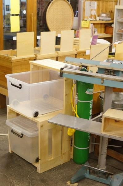 プラスチック容器用棚