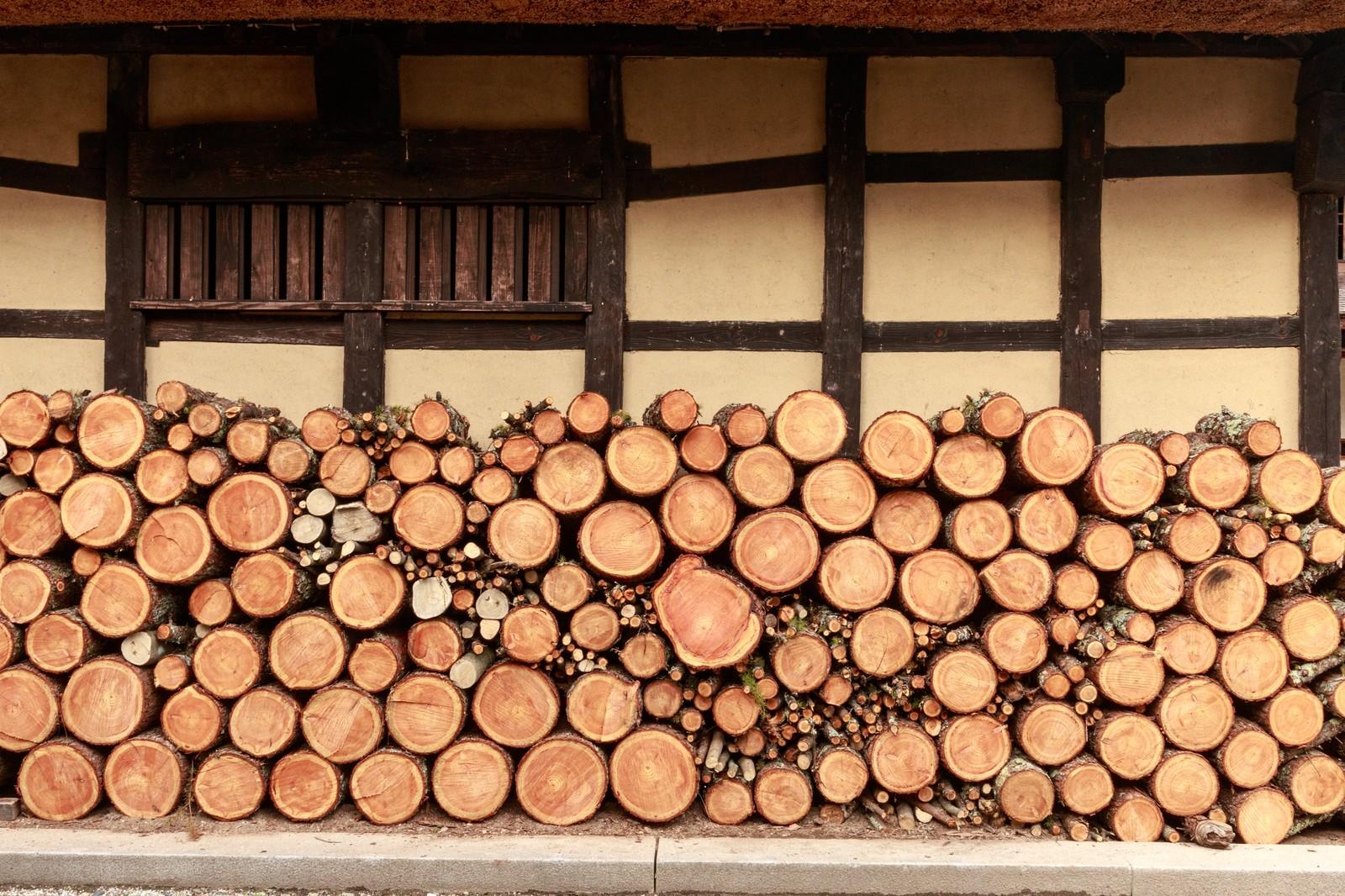 積みあがった木材