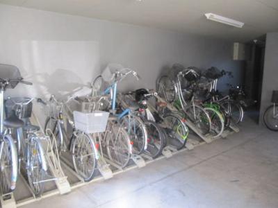 サーパス下戸祭の駐輪場