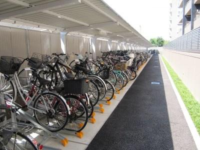 サーパス今泉ブライトシティの駐輪場