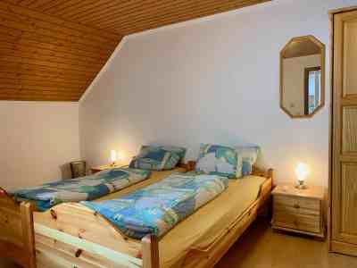 Schlafzimmer 1 - Richtung Bett