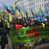 Trotz auf schikanöser Auflagen: Kurdischer Friedensmarsch durch Mannheim und Ludwigshafen verläuft friedlich