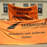 Mit Abstand und Anstand: Demo der Seebrücke für Evakuierung der Sammellager [mit Video und Bildergalerie]