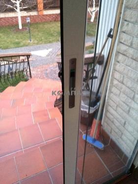 Цельностеклянные раздвижные двери TS Aluminium S16