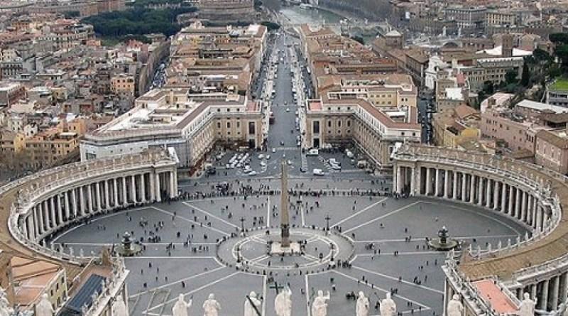 Vatikan tutup gereja Katolik