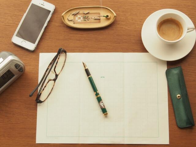 原稿用紙と小物